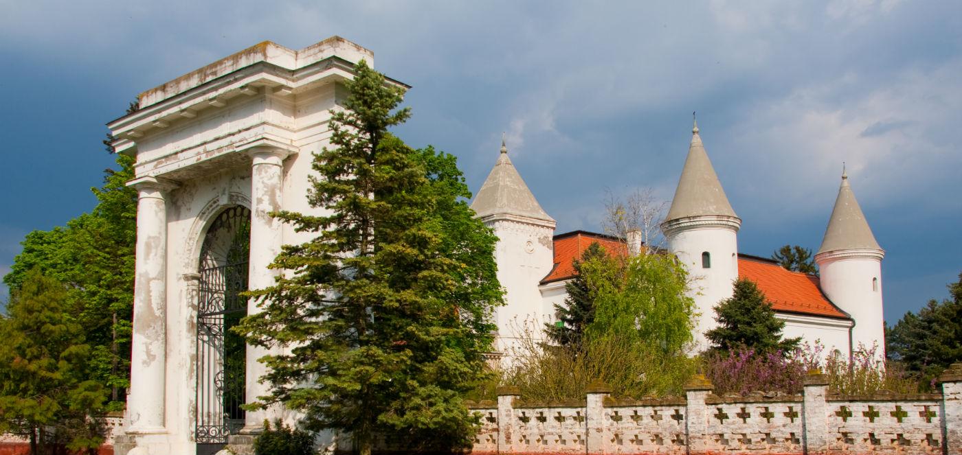 Rezultat slika za fantast dvorac