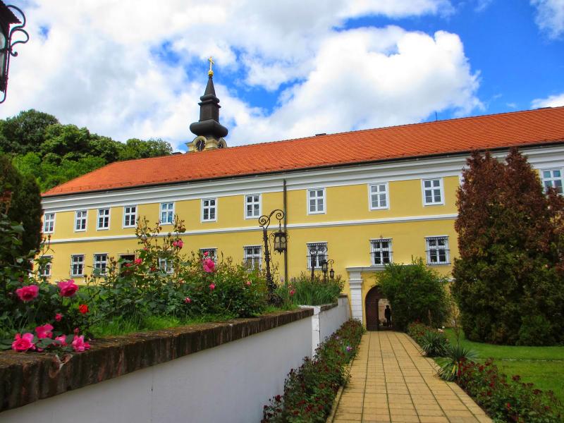 Manastiri Fruške Gore Novo-Hopovo-Monastery