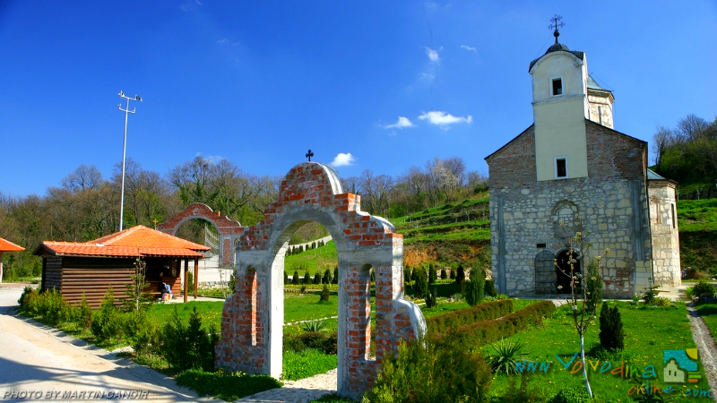 Manastiri Fruške Gore Manastir-petkovica-sisatovac-5
