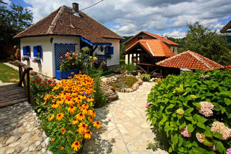 terzica avlija etno selo